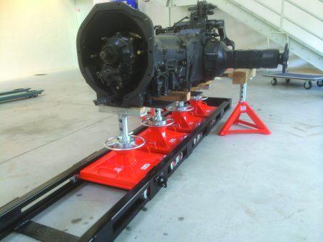 Urządzenie do rozpinania traktorów